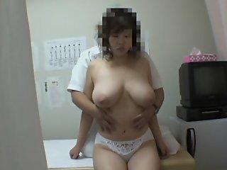 Nasty masseur fucking big..