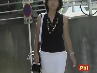 Classy Asian milf with no..