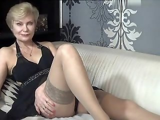 kinky_momy secret video..
