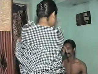 corpulent mallu bhabhi..