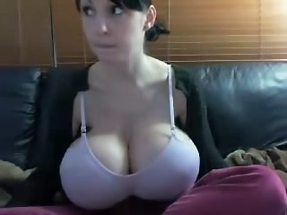 Extreme Tits on cam