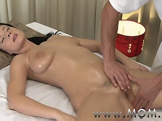 MOM Brunette has the massage..