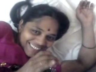 bhabhi laying nude fellatio..