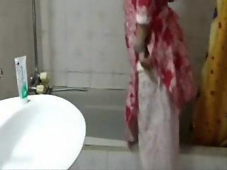 Pakistani chick taking..