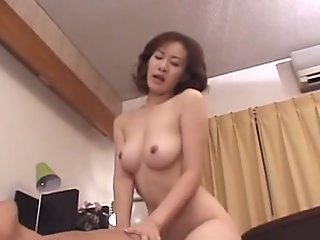 39yr old Japanese Mom Loves..