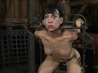 slave tortured and begs to..