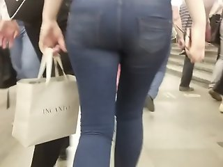Hurried blonde with good ass
