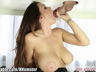 Milking Table Best of Cum in..