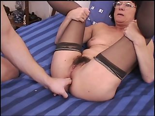Gaping Anal Granny in..