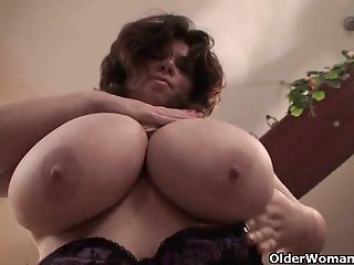 Mature BBW with XXL tits..