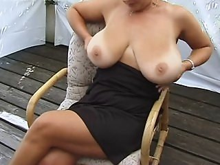 Amateur MILF Shows Her Huge..