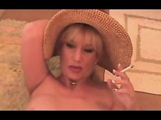 Hot Dirty Talking Cougar..