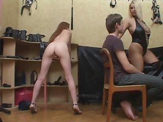 couple get strapon assfucked..