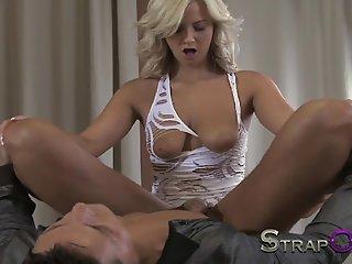 StrapOn Sexy babes fucking..